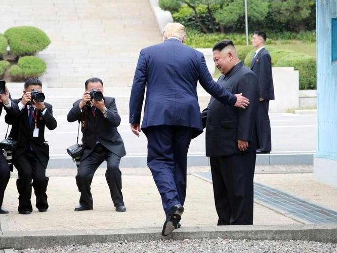Hình ảnh cuộc gặp lịch sử Donald Trump – Kim Jong Un tại Khu phi quân sự Hàn – Triều ảnh 3