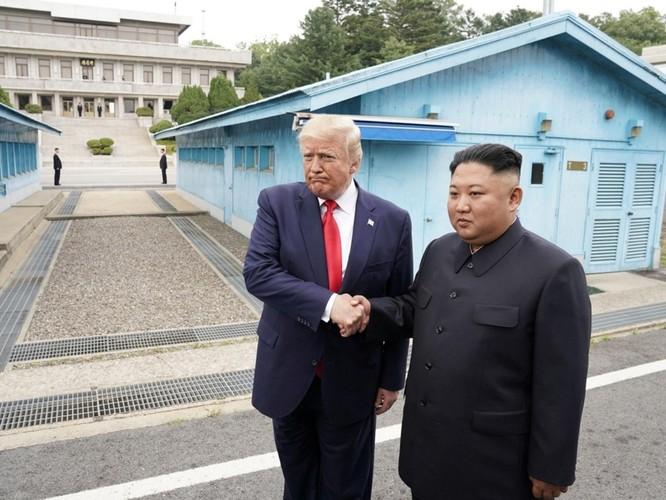 Hình ảnh cuộc gặp lịch sử Donald Trump – Kim Jong Un tại Khu phi quân sự Hàn – Triều ảnh 6
