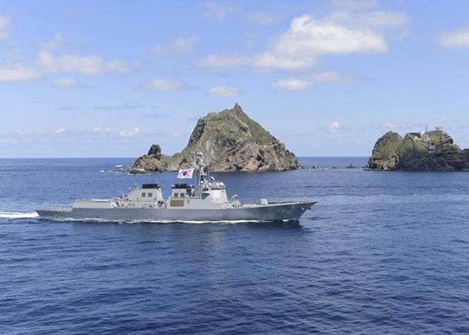 Quan hệ ngày càng căng thẳng, Hàn Quốc và Nhật Bản rầm rộ tập trận nhắm vào nhau ảnh 2