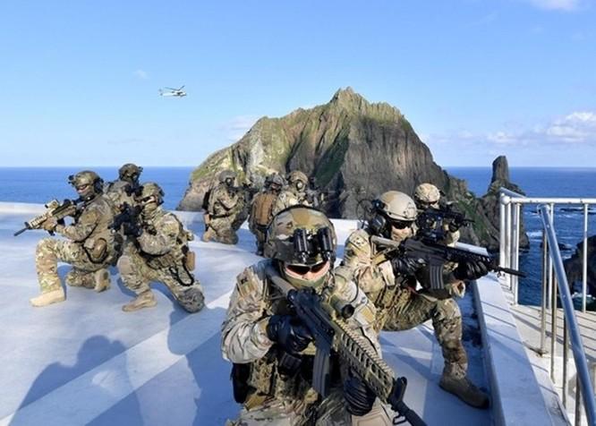 Quan hệ ngày càng căng thẳng, Hàn Quốc và Nhật Bản rầm rộ tập trận nhắm vào nhau ảnh 3