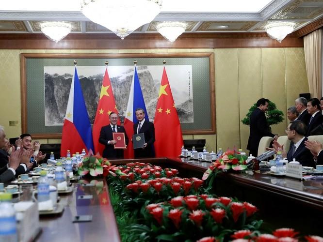 Hai mục tiêu lớn của ông Duterte trong chuyến thăm Trung Quốc đều không thành ảnh 4