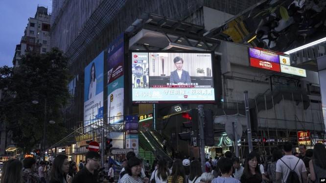Trưởng đặc khu hành chính Hồng Kông chính thức tuyên bố rút bỏ Luật dẫn độ ảnh 1