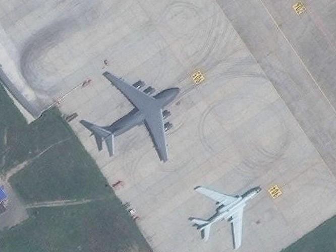 Lộ diện hình ảnh mẫu cải tiến mới nhất H-6N của máy bay ném bom chiến lược Trung Quốc ảnh 1