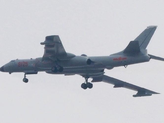 Lộ diện hình ảnh mẫu cải tiến mới nhất H-6N của máy bay ném bom chiến lược Trung Quốc ảnh 3
