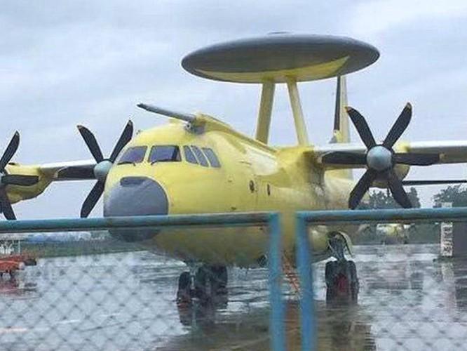 Lộ diện hình ảnh mẫu cải tiến mới nhất H-6N của máy bay ném bom chiến lược Trung Quốc ảnh 5