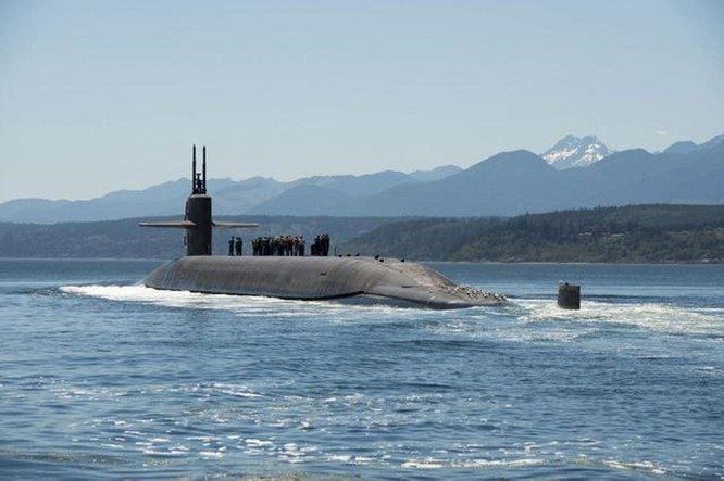 Liên tiếp phóng tên lửa đạn đạo từ tàu ngầm, Mỹ gây sức ép với Nga ảnh 1
