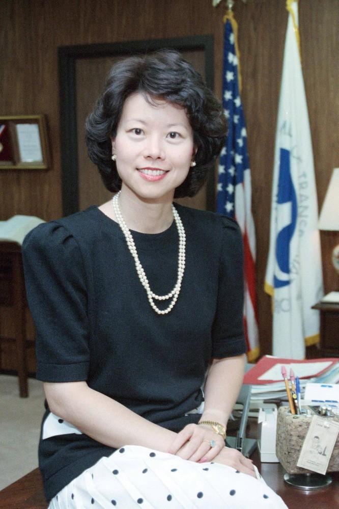 Nữ Bộ trưởng Giao thông Mỹ gốc Hoa Elaine Chao bị điều tra vì thông đồng với Trung Quốc và mưu lợi riêng ảnh 6