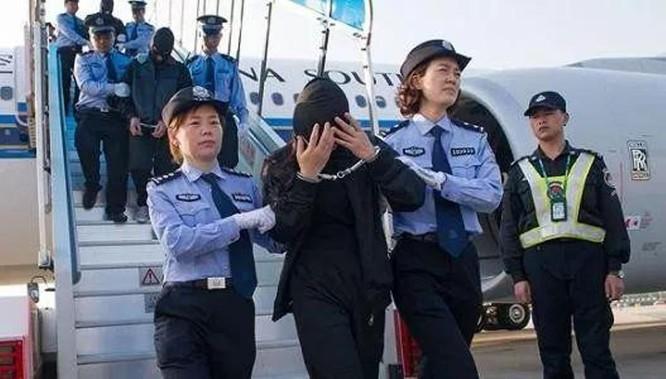 Báo Trung Quốc lý giải việc người Trung Quốc đột nhiên lũ lượt rời khỏi Campuchia ảnh 6