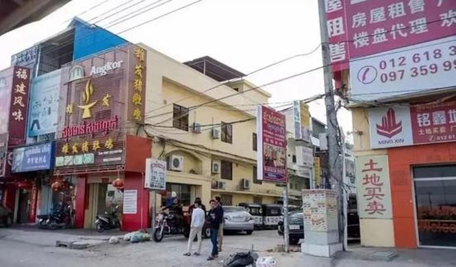 Báo Trung Quốc lý giải việc người Trung Quốc đột nhiên lũ lượt rời khỏi Campuchia ảnh 1