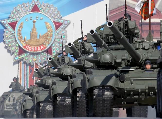 """Bộ trưởng Quốc phòng Nga Sergei Shoigu nói về quan hệ quân sự Nga - Mỹ: """"Nga không cần tàu sân bay, chỉ cần vũ khí đánh tàu sân bay!"""" ảnh 1"""