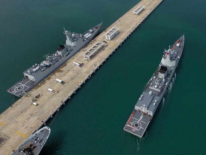 Mỹ đưa tàu sân bay USS Ronald Reagan vào Biển Đông, Trung Quốc nổi giận cho tàu bao vây? ảnh 2