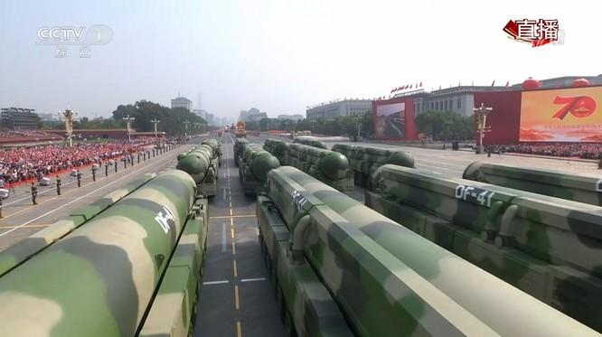"""Trung Quốc đã """"khoe"""" những gì trong cuộc diễu binh, diễu hành lớn nhất lịch sử? ảnh 11"""