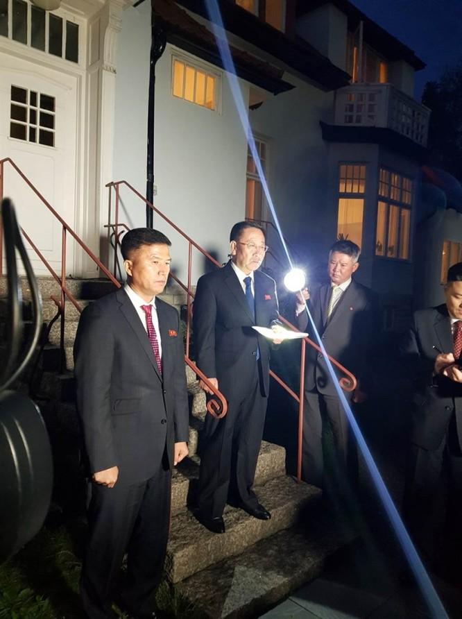 Đàm phán Mỹ - Triều Tiên ở Thụy Điển kết thúc: Ông nói gà, bà nói vịt ảnh 2