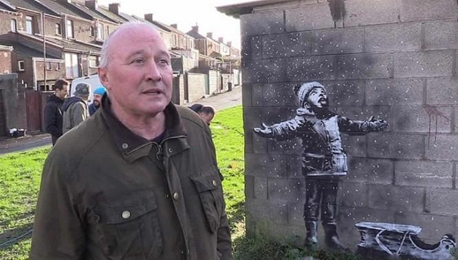 Bức tranh tiên tri về tương lai nước Anh của họa sỹ đường phố bán được 290 tỷ ảnh 4