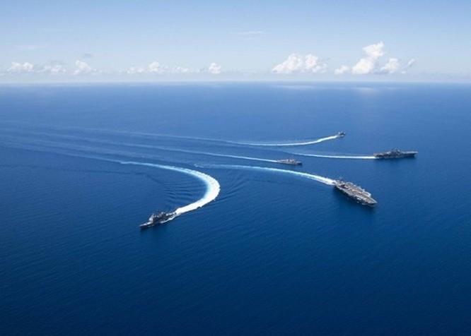 Hải quân Mỹ tập trận rầm rộ ở Biển Đông ảnh 2