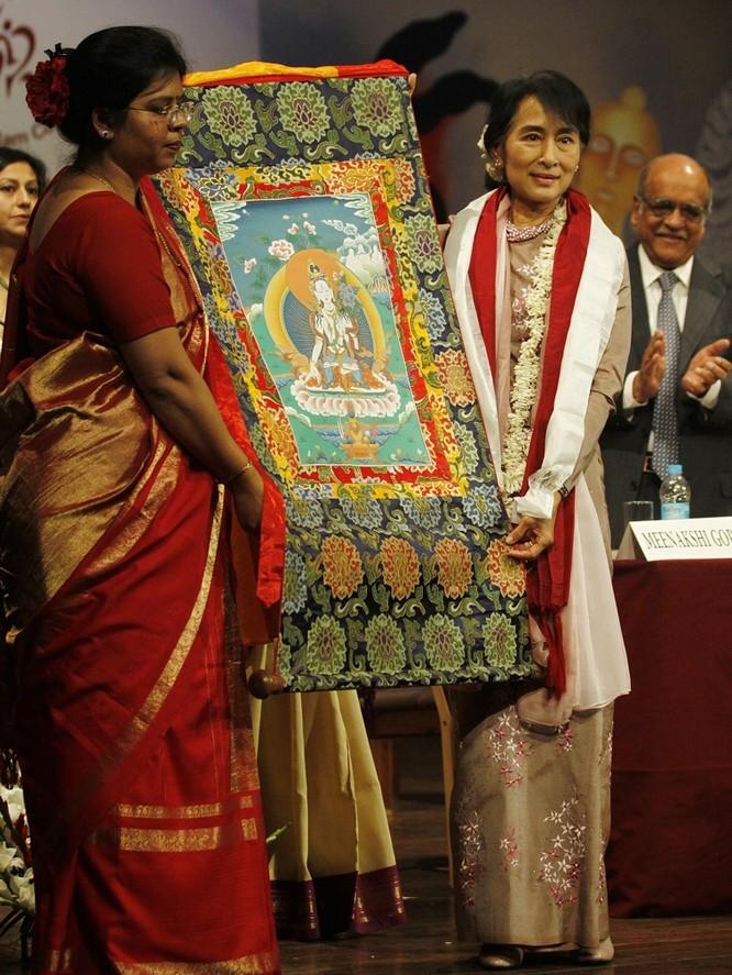 Chuyện lý thú về những món quà tặng của các chính khách trên thế giới ảnh 16
