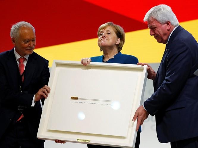 Chuyện lý thú về những món quà tặng của các chính khách trên thế giới ảnh 24