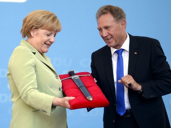 Chuyện lý thú về những món quà tặng của các chính khách trên thế giới ảnh 4