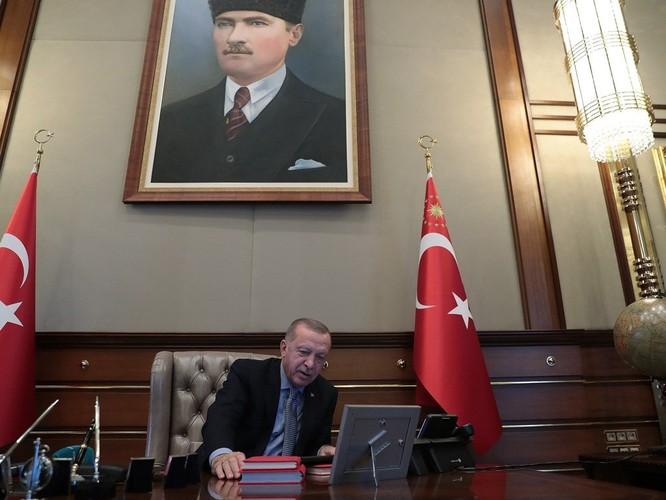 Mỹ và Thổ Nhĩ Kỳ đạt được thỏa thuận ngừng bắn, chấm dứt cuộc tiến công người Kurd bên trong lãnh thổ Syria ảnh 5