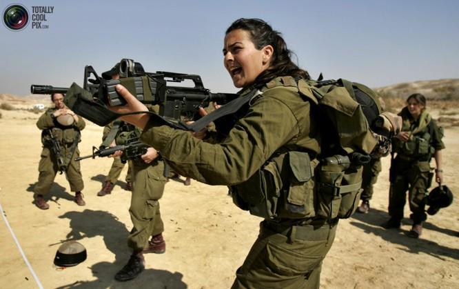 Mang súng khi diện bikini - Vén bức màn bí ẩn về lực lượng nữ binh Israel ảnh 12