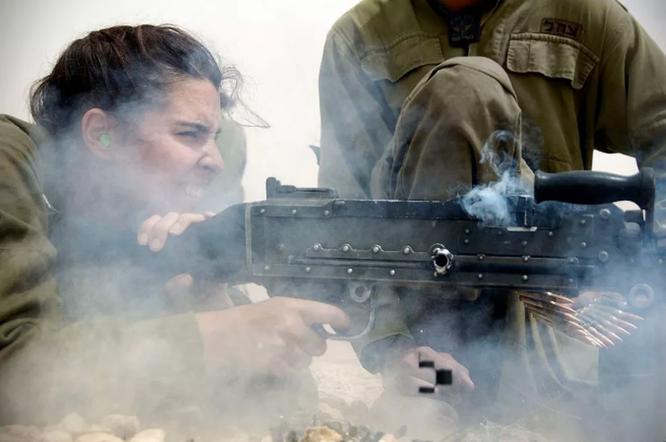 Mang súng khi diện bikini - Vén bức màn bí ẩn về lực lượng nữ binh Israel ảnh 7