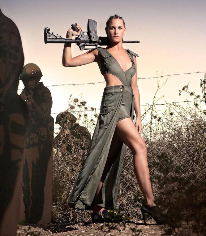 Mang súng khi diện bikini - Vén bức màn bí ẩn về lực lượng nữ binh Israel ảnh 3