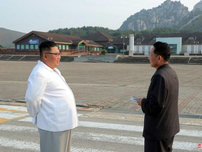Điều gì khiến ông Kim Jong-un tức giận bắt dỡ bỏ các công trình do Hàn Quốc xây dựng ở Khu du lịch núi Kim Cương ảnh 2