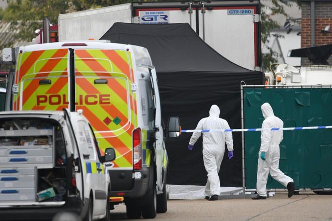 """Băng đảng """"Sister Ping"""" – thủ phạm gây nên thảm kịch 39 người chết ngạt trong thùng xe máy lạnh ở Anh? ảnh 4"""