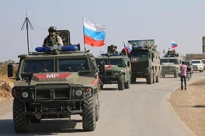"""Mỹ đưa quân vào Syria bảo vệ các mỏ dầu, Nga phê phán Mỹ lấy dầu của Syria là """"hành động ăn cướp quốc tế"""" ảnh 1"""