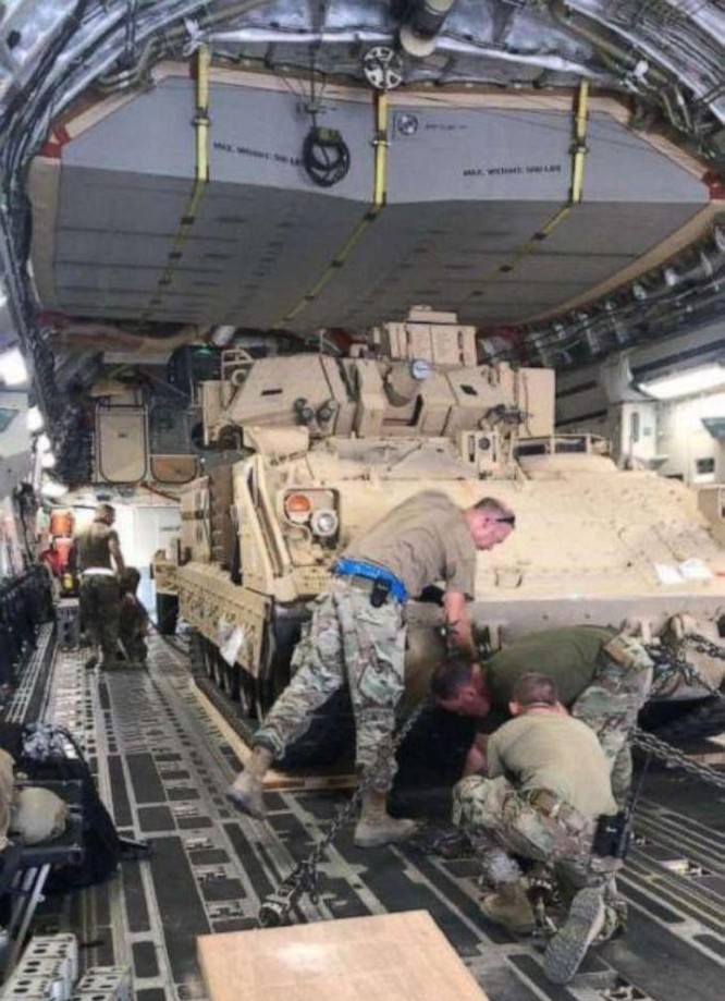 Quân đội Mỹ lần đầu tiên tuần tra chung với lực lượng SDF của người Kurd ở biên giới Syria - Thổ Nhĩ Kỳ sau khi tuyên bố rút quân ảnh 4