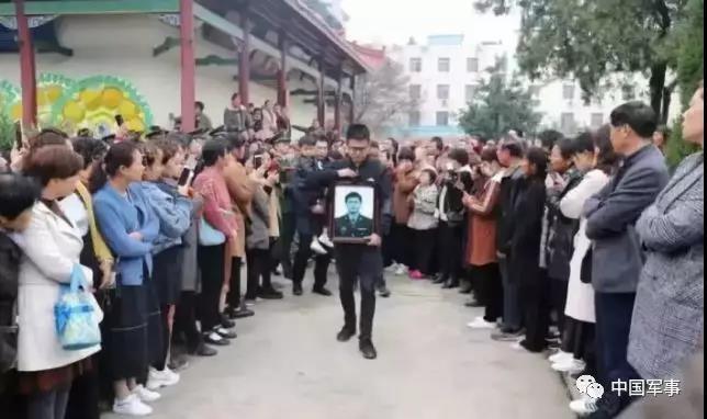 Diễn tập đột kích Hồng Kông, máy bay trực thăng chở quân đâm vào núi, 11 quân nhân Trung Quốc tử nạn ảnh 2