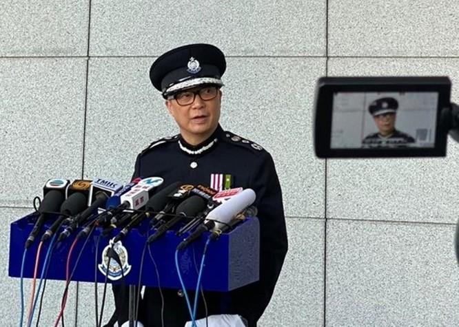 """Sáng nay 400 học sinh và sinh viên cố thủ trong Đại học Bách Khoa Hồng Kông ra đầu hàng cảnh sát, """"nút thắt"""" nơi """"chiến trường chính"""" đang được tháo gỡ? ảnh 7"""