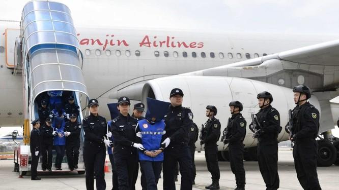 Hàng ngàn tội phạm lừa đảo qua mạng người Trung Quốc bị bắt giữ ở các nước Đông Nam Á và Mông Cổ ảnh 5