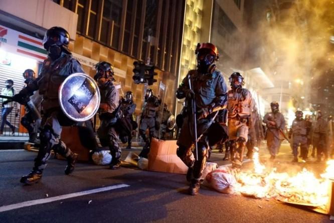Những con số đáng sợ về 5 tháng biểu tình ở Hồng Kông ảnh 1