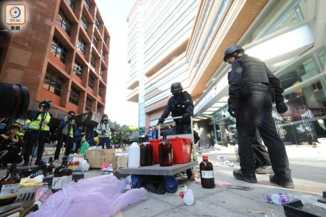 Những con số đáng sợ về 5 tháng biểu tình ở Hồng Kông ảnh 6