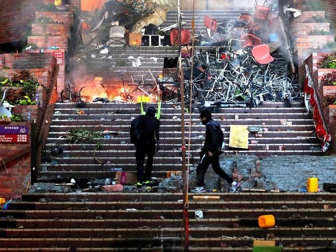 Những con số đáng sợ về 5 tháng biểu tình ở Hồng Kông ảnh 2