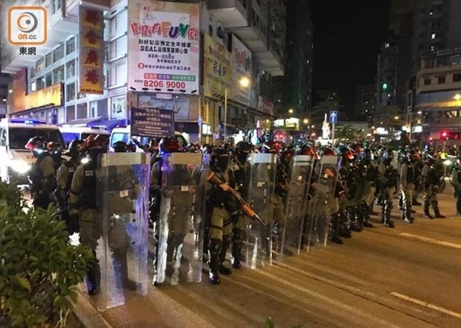 Hồng Kông: tái diễn biểu tình quy mô lớn và đụng độ bạo lực ảnh 3
