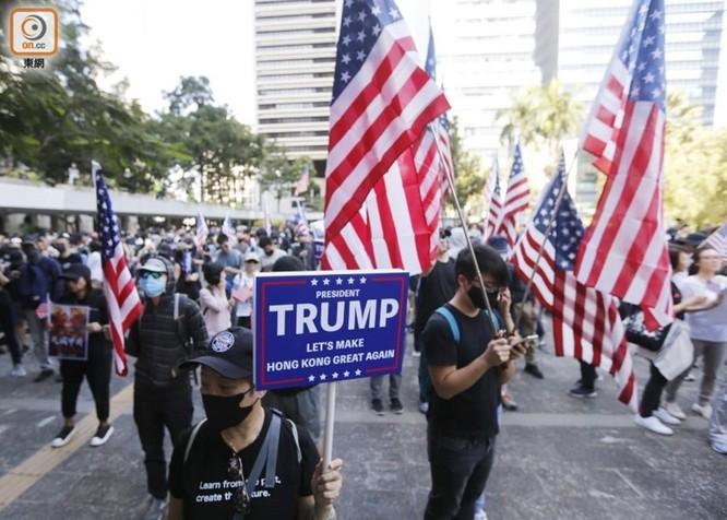 Hồng Kông: tái diễn biểu tình quy mô lớn và đụng độ bạo lực ảnh 7