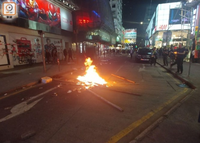Hồng Kông: tái diễn biểu tình quy mô lớn và đụng độ bạo lực ảnh 5