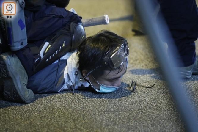 Hồng Kông: tái diễn biểu tình quy mô lớn và đụng độ bạo lực ảnh 4