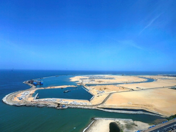 Liệu Sri Lanka có đòi lại được cảng chiến lược Hambantota đã trót cho Trung Quốc thuê 99 năm để gán nợ? ảnh 2