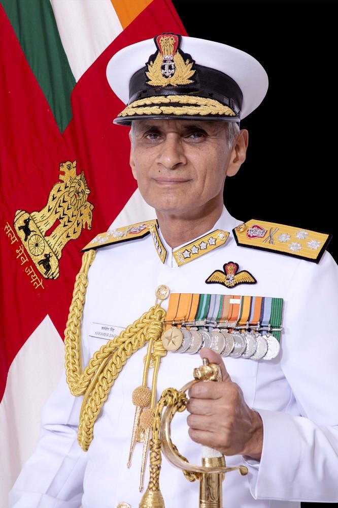 Đô đốc Ấn Độ: Hải quân Ấn Độ xua đuổi tàu Trung Quốc xâm phạm vùng đặc quyền kinh tế nước này ảnh 1