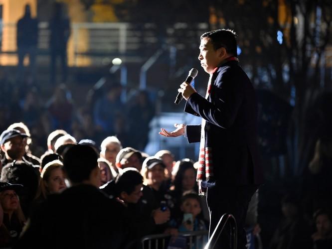 Ứng cử viên Tổng thống người Hoa Adrew Yang của Đảng Dân chủ bị dọa giết, FBI vào cuộc điều tra ảnh 1