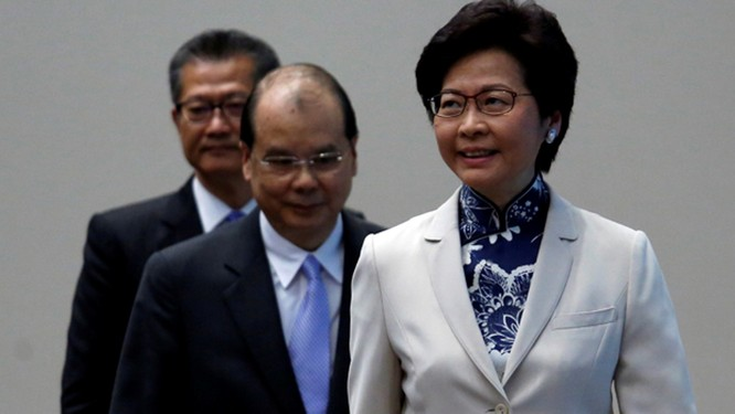 25 nghị sĩ Hồng Kông đưa ra nghị án yêu cầu luận tội bà Carrie Lam ảnh 4