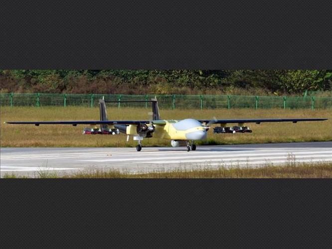 Trung Quốc gây bất ngờ khi mang tất cả các loại máy bay không người lái tới Tân Cương trưng bày ảnh 7