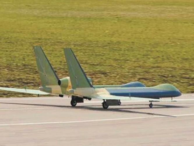Trung Quốc gây bất ngờ khi mang tất cả các loại máy bay không người lái tới Tân Cương trưng bày ảnh 5