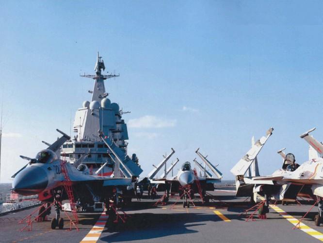 Ông Tập Cận Bình tới đảo Hải Nam chủ trì lễ bàn giao tàu sân bay thứ hai mang tên Sơn Đông cho hải quân Trung Quốc ảnh 2