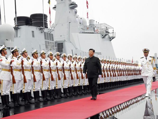 Ông Tập Cận Bình tới đảo Hải Nam chủ trì lễ bàn giao tàu sân bay thứ hai mang tên Sơn Đông cho hải quân Trung Quốc ảnh 1