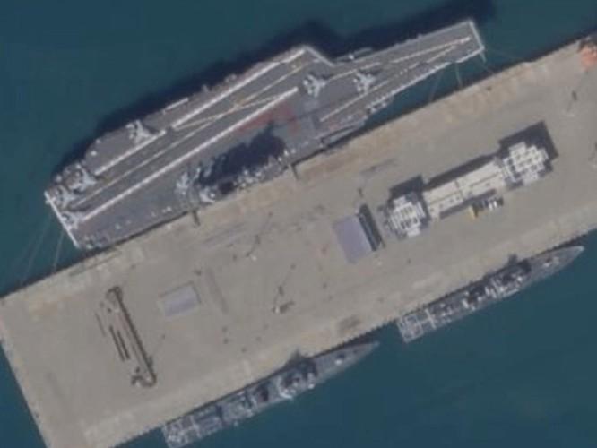 Ông Tập Cận Bình tới đảo Hải Nam chủ trì lễ bàn giao tàu sân bay thứ hai mang tên Sơn Đông cho hải quân Trung Quốc ảnh 3