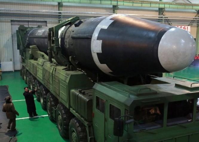 """Bộ trưởng Quốc phòng Mỹ đe dọa """"ngay tối nay có thể khai chiến"""", ông Kim Jong-un triệu tập hội nghị Quân ủy mở rộng ảnh 2"""